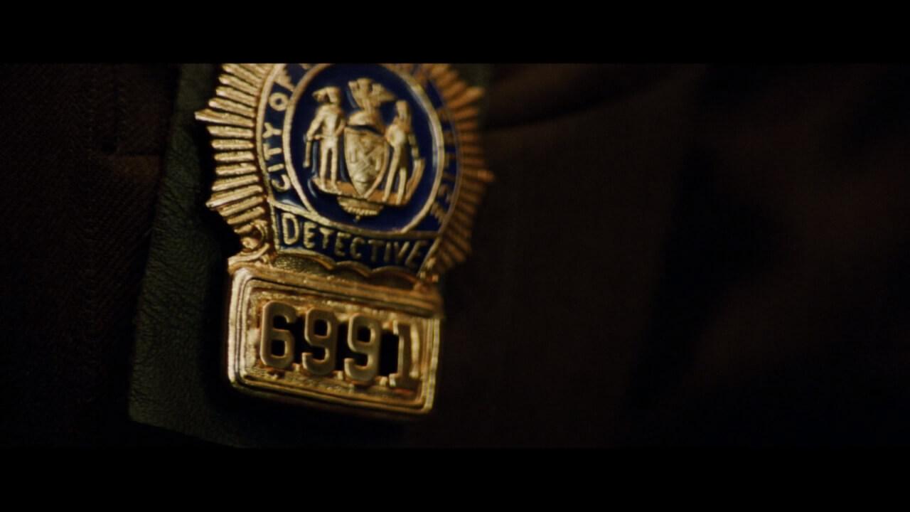 『ダイハード3』にてバッジ番号が重大なヒントに。