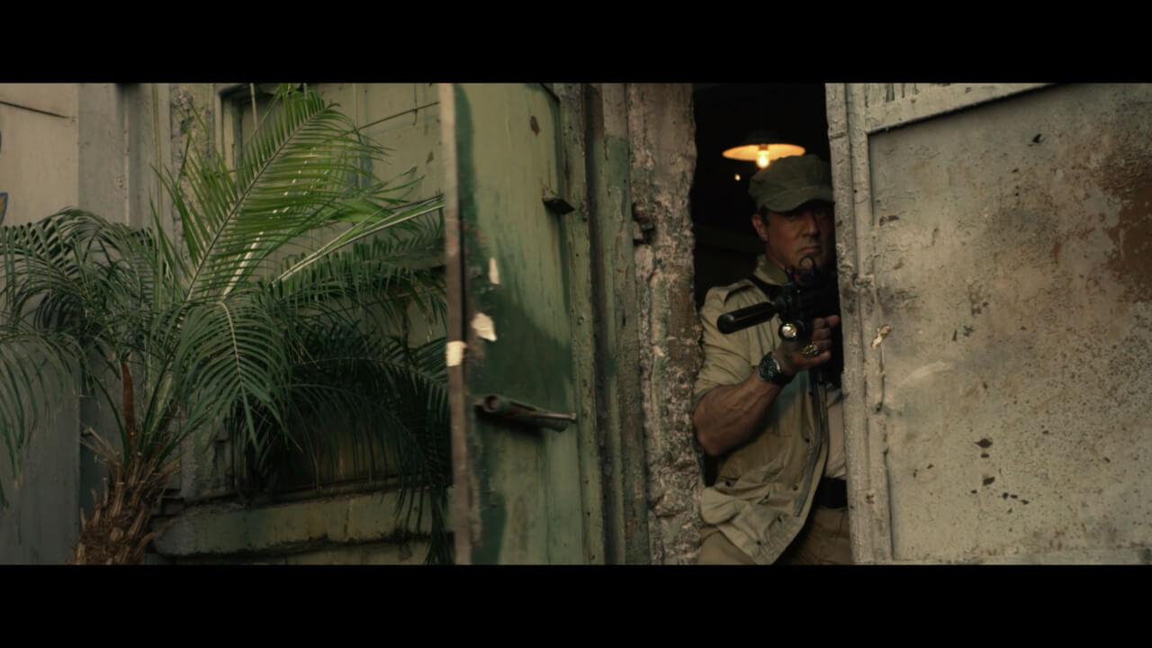 """シルベスター・スタローン演じる主人公・ロス。傭兵軍団""""エクスペンダブルズ""""を率いる絶対的なリーダー。"""