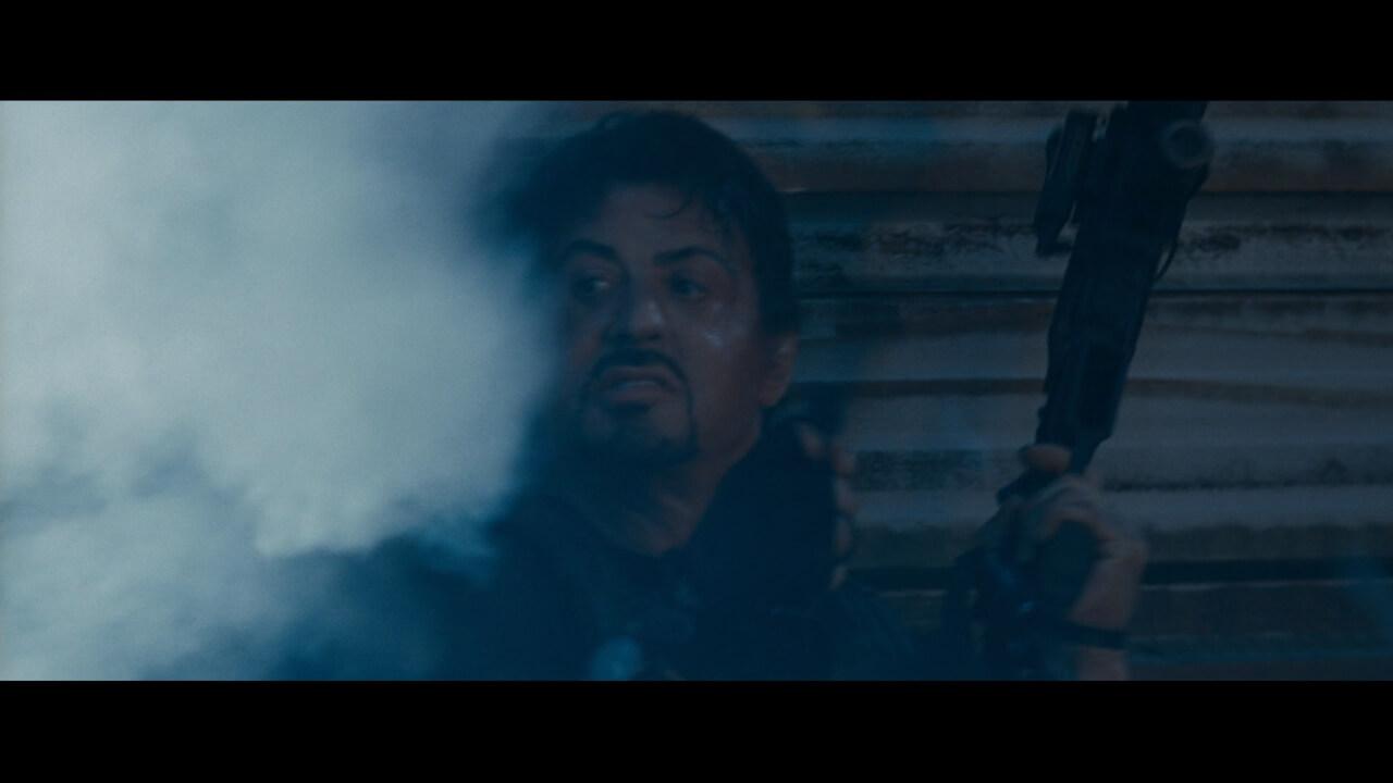 シルベスター・スタローン演じる主人公・ロス。荒くれ者たちをまとめるリーダー。