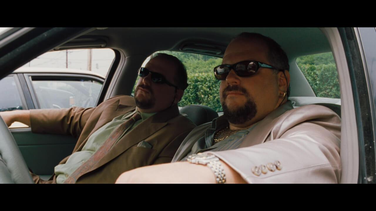 『オーシャンズ11』のラストにて主人公・ダニーたちを監視する双子。