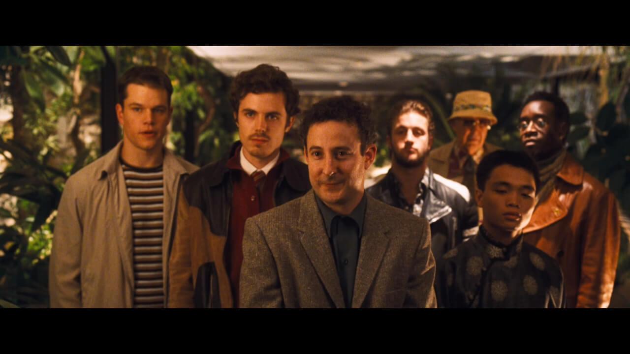 『オーシャンズ11』にて主人公・ダニーの作戦に参加する訳ありの男たち。演じるのはマット・デイモンやケイシー・アフレックなど。