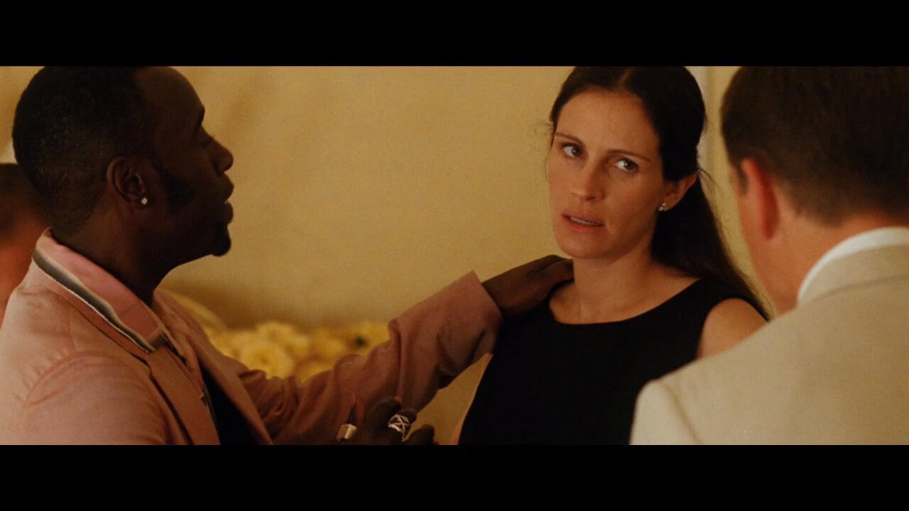 『オーシャンズ12』にてジュリア・ロバーツを演じるジュリア・ロバーツ。