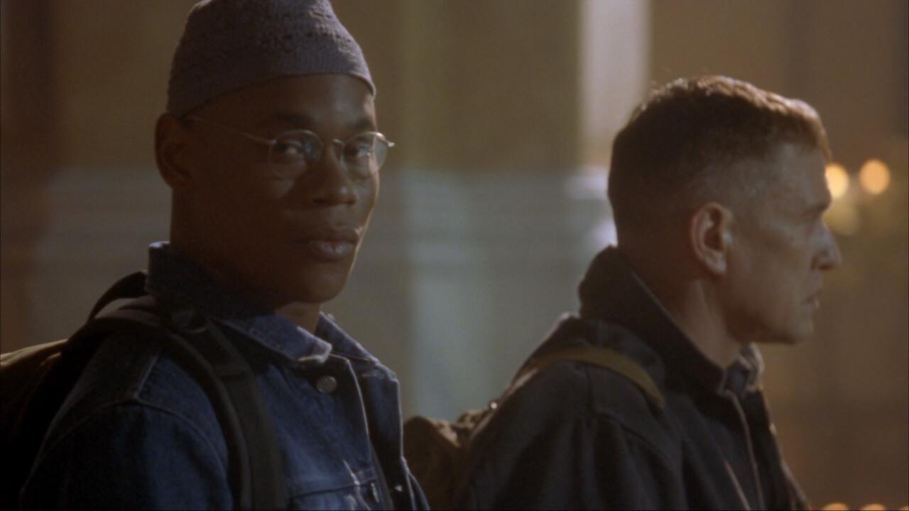 『山猫は眠らない2-狙撃手の掟-』にて主人公・ベケットの相棒となるコール。演じるのはボキーム・ウッドバイン。