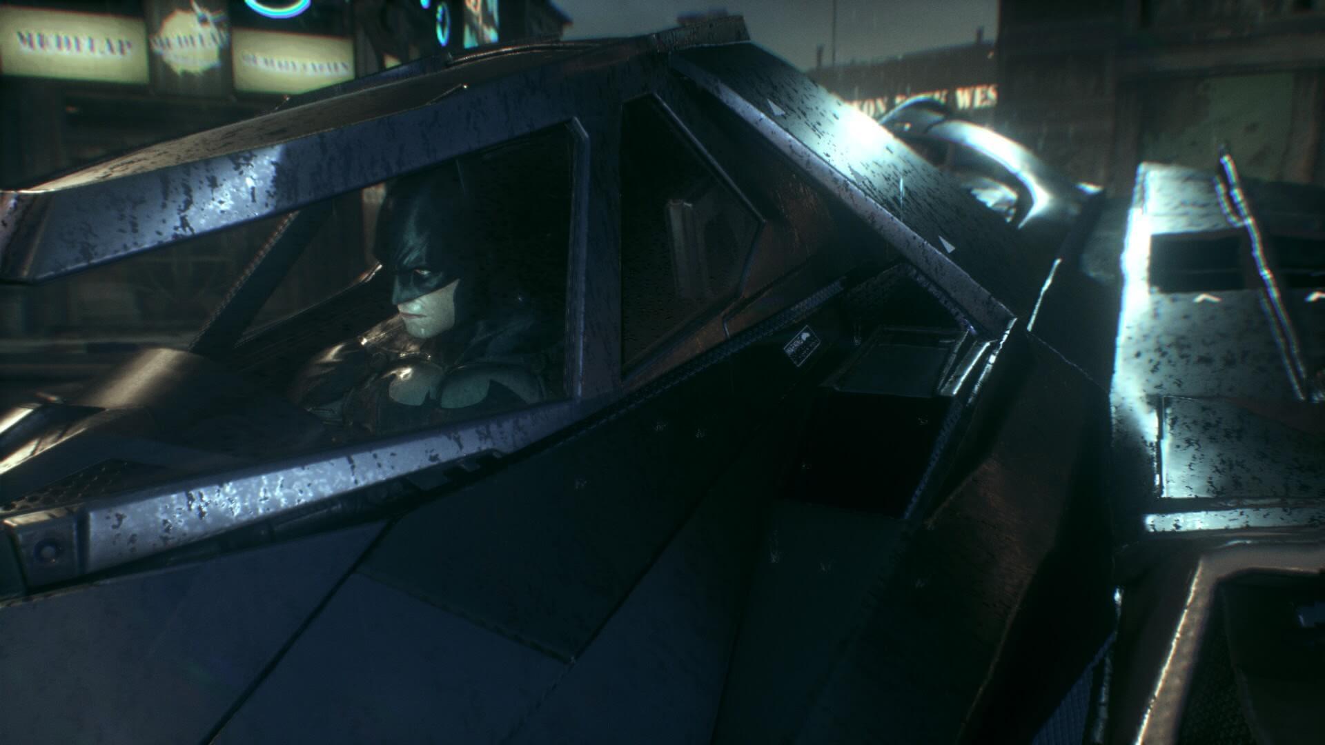バットモービルに搭乗するバットマン。今作ではバットモービルが大活躍。